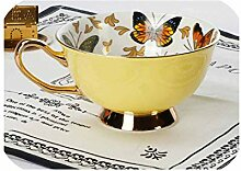 European Bone Kaffeetassen und Untertassen aus