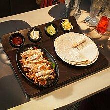 Fajita-Servierbrett mit Schmor-Platte und 4Förmchen für die Präsentation von Fajitas, aus dem Ofen auf den Tisch