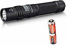 Fenix E35Ultimate Edition (e35ue) 900Lumen CREE XM-L2U2LED Taschenlampe mit zwei CR123A Batterien.