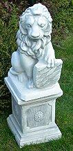Figur Löwe mit Wappen links auf klassischer