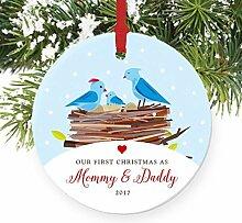 First Christmas, wie Mama & Papa neuen Eltern Bird Runde Familie Weihnachten Ornament Andenken Xmas Tree Dekoration Hochzeit Jahrestag Geschenk Weihnachtsbaum Geschenk Idee