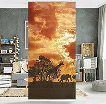 Flächenvorhang Set Tanzania Sunset Afrika Savanne Giraffen Elefanten 250x120cm | Schiebegardine Schiebevorhang Raumtrenner Vorhang Raumteiler Gardine Paravent Wandbild XXL Deko Dekor Größe: 250 x 120cm inkl. transparenter Halterung