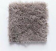 Flauschige Teppichfliesen sind ideal für Kinder -