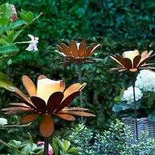 Florale Gartenstecker mit Edelrost-Patina