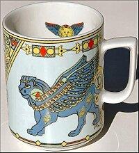 FORTIS GLÜCKSLÖWE (Grundfarbe hellblau) BOPLA! Maxitasse 0,3l Serie FORTUNA Kaffee- Tee- Glühwein- Becher, Maxi Tasse, Mug, Maxi Taza, Maxi Cup, Maxit Taza 0,3 l, 10-1/2 fl. oz. Einzelgewicht: 302g - Geeignet für alle heißen und kalten Getränke. Ihre Geschenk-Idee zum Sammeln. Platzsparend stapelbar. In verschiedenen Dekoren und Farbvariationen zur Auswahl BOPLA Porzellan kann bunt gemischt werden und es passt immer zusammen. So sieht Ihr Tisch jeden Tag anders, jeden Tag frisch aus. Ein Schweizer Qualitätsprodukt an dem Sie lange Jahre Freude haben werden