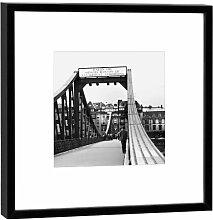 Fotografie im Holzrahmen: Eiserner Steg - Kunstdruck - Format 27 x 27 cm - Rahmenfarbe schwarz - Hochwertiges Wandbild, Geschenkidee oder Souvenir aus Frankfur