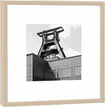Fotografie im Holzrahmen: Förderturm - Kunstdruck - Format 27 x 27 cm - Rahmenfarbe beige - Hochwertiges Wandbild, Geschenkidee oder Souvenir aus Essen