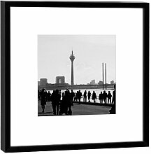 Fotografie im Holzrahmen: Rheinuferpromenade - Kunstdruck - Format 27 x 27 cm - Rahmenfarbe schwarz - Hochwertiges Wandbild, Geschenkidee oder Souvenir aus Düsseldorf