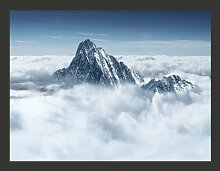 Fototapete Bergspitze in den Wolken 231 cm x 300