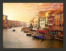 Fototapete Venedig - Die bunte Stadt auf Wasser