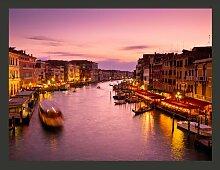 Fototapete Venedig: Stadt der Verliebten bei Nacht