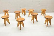 Französischer dreibeiniger Holzhocker, 1960er,