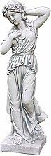 Frau mit Blumenkranz, Skulptur aus Steinguss, Figur