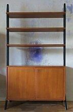 Freistehender Raumteiler mit Regalen von Bertil