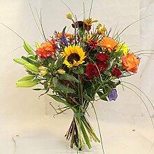 frischer bunter Blumenstrauß mit vielen