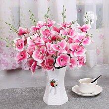 Frischer Gartenkorb mit künstlichen Blumen der