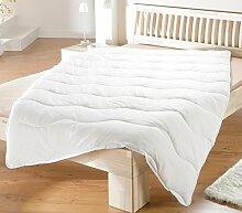 Ganzjahresdecke Bettdecke 135x200cm Mikrofaser Hygiene 95° Wellensteppung
