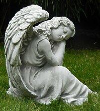 Gartenfigur Beton Figur Engel sitzend und