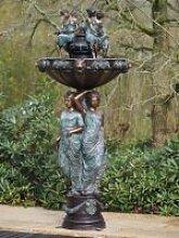 Gartenfigur Brunnen mit 7 Frauen