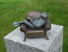 Gartenfigur Frosch im Sessel