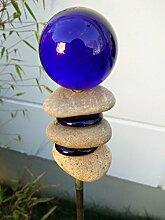 Garteninspiration Gartenstecker mit Steinen und