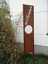 Garteninspiration Sichtschutz mit Schriftzug