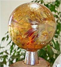 Gartenkugel aus Glas, Bernstein