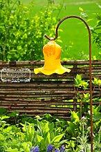 Gartenkugel Massivglas ROBUST, Tulpe Tropfen, Blume mit Hakenhalter Schäferstab FROSTSICHER & MASSIV Glas-Dekoration Blüte Gartentulpe Glocke Sonnenfänger für Lichteffekte im Garten, Rosenkugel 17 cm gross Form Tulpe, modisches Tulpendesign handgefertigt mit Bogenstab 125 cm, gelb orange Gartenkugeln, Gartendeko FROSTSICHER, lichtbeständig und WINTERFEST, Metallstiel Schäferstab Rosenkugeln Glas Deko