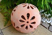 Gartenkugel- schwere Terracotta Kugel mit Blütenmotiv - dekorative Gartenkugel