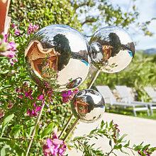 Gartenstecker mit reflektierenden Silberkugeln
