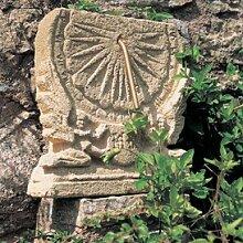 Gartentraum Antike Stein Sonnenuhr - Maja, Ocker