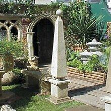 Gartentraum Deko Garten Obelisk aus Stein - Horus, Ocker