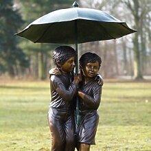 Gartentraum Garten Bronzefigur - Jungen unter dem Regenschirm, Bronze
