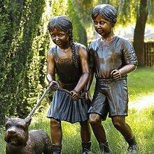 Gartentraum Garten Bronzeplastik Kinder mit Hund - Lina & Theò, Bronze