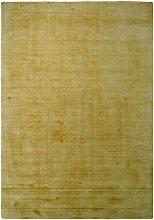 Gelber Teppich aus Kurzflor modern