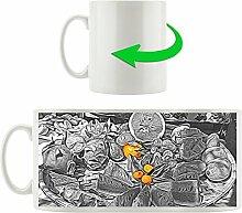 gemischter appetitlicher Fruchtteller schwarz/weiß orange, Motivtasse aus weißem Keramik 300ml, Tolle Geschenkidee zu jedem Anlass. Ihr neuer Lieblingsbecher für Kaffe, Tee und Heißgetränke.