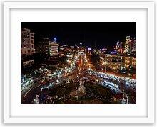 Gerahmter Fotodruck Nachtlichter im Stadtzentrum