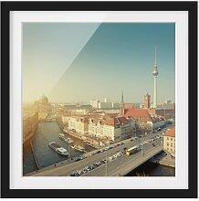 Gerahmtes Papierbild Berlin am Morgen East Urban
