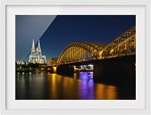 Gerahmtes Papierbild Köln bei Nacht East Urban