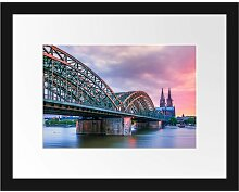 Gerahmtes Poster Hohenzollernbrücke in Köln East