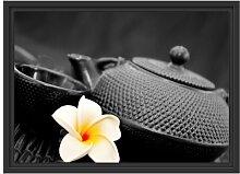 Gerahmtes Wandbild Teekanne mit Jasminblüte