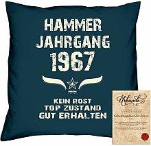 Geschenk 51. Geburtstag :-: Geschenkidee Dekokissen Jahreszahl Aufdruck :-: Hammer Jahrgang 1967 :-: Größe: 40x40cm und Urkunde Farbe: navy-blau