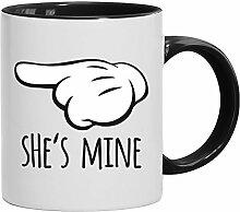Geschenkidee Freund Freundin Valentinstags Kaffeetasse 2-farbige Tasse Valentinstag - She's Mine, Größe: onesize,weiß/schwarz