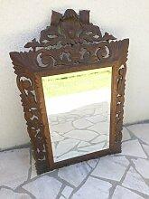 Geschnitzter Spiegel mit Holzrahmen, 18. Jh.