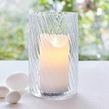 Glas-Windlicht mit effektvollem Twist