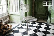 Grauer Stuhl Métalo