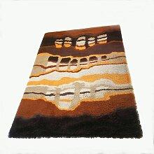 Großer hochfloriger niederländischer Teppich von