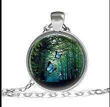 Halskette mit Glasanhänger; Motiv: dunkler Wald