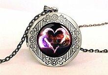 Halskette mit Herz-Anhänger, Medaillon,