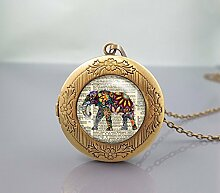 Halskette mit Medaillon mit Elefanten-Anhänger,